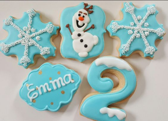 Frozen cookies. Olaf, snowflakes, name and 2