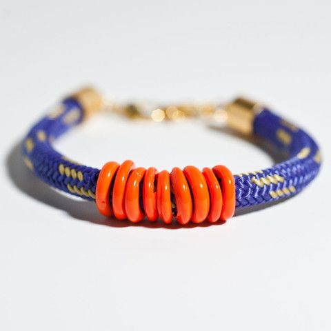 A few of these stacked would be so cute for an Auburn game!