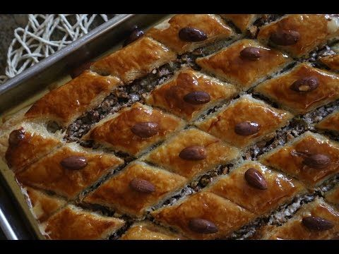 How to bake homemade easy baklava recipe with puff pastry