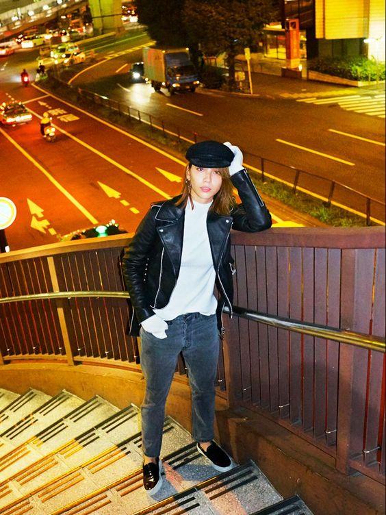 滝沢カレンのジャケット
