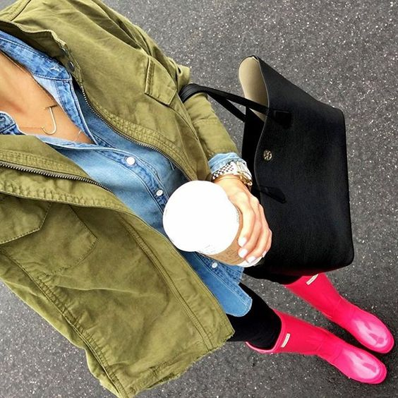 IG @mrscasual <click through to shop this look> Army green jacket. Chambray shirt. Pink hunter boots. Black tory burch perry tote.