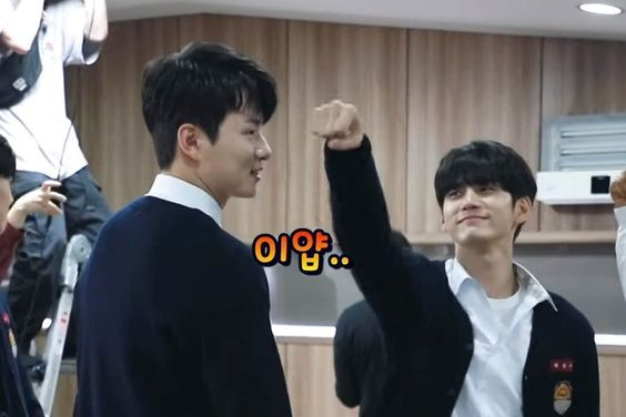 "Watch: Ong Seong Wu And Shin Seung Ho Goof Off While Filming Fight Scene For ""Moments Of 18"""