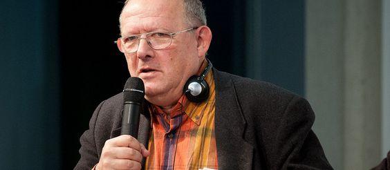 """Adam MICHNIK:  ja to muszę powiedzieć, jako Polak, którego rodzice zginęli w Holokauście.  Jak przypominaliśmy na portalu wPolityce .pl matka szefa """"Wyborczej"""" umarła w 1969 roku, a ojciec 13 lat później.  O co chodzi?! Michnik opowiada w """"Der Spiegel"""", że jego rodzice zginęli w Holokauście. A to zwykłe kłamstwo…:"""