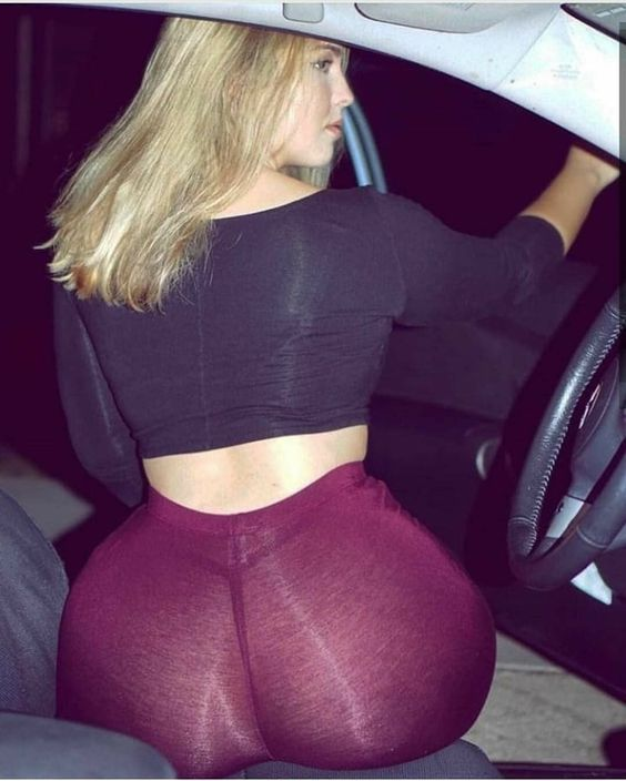 Big Ass Facesitting Leggings