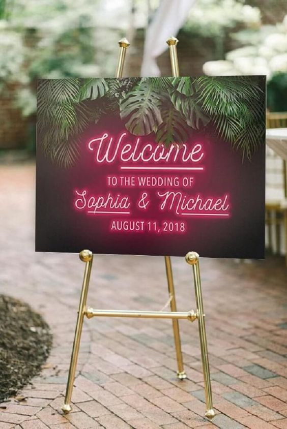 Bold And Fluorescent Neon Décor Ideas For Your Sumptuous Wedding