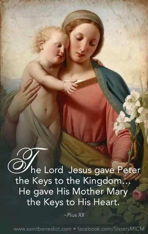 The keys to her heart means that she desires you to love her and to come to her at any time for help or to get closer to Jesus. She knew Him better than anyone else did or will.