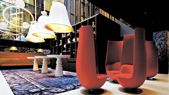 'Tulip' chairs in the lobby of the Andaz Amsterdam Prinsengracht