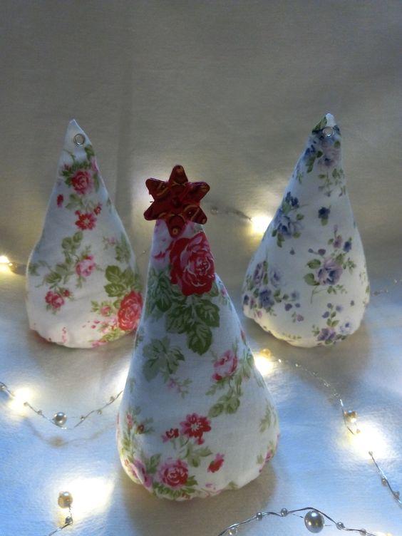 Sapin de Noël décoratif en tissu fleuri : Accessoires de maison par lesdecouvertesdelily