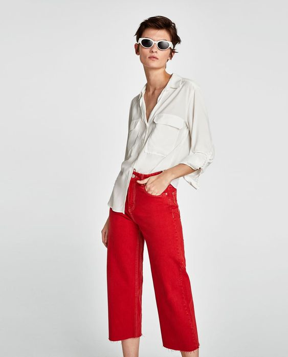 Image 1 of BLOUSE WITH POCKETS from Zara