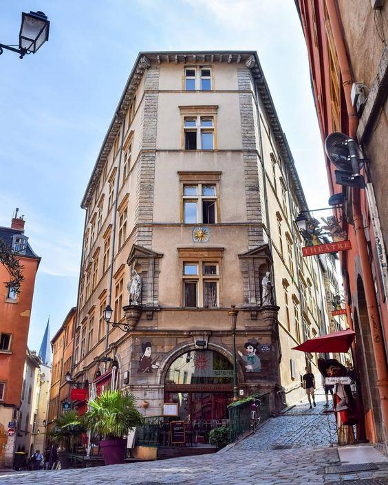 Place de la Trinité - Vieux-Lyon