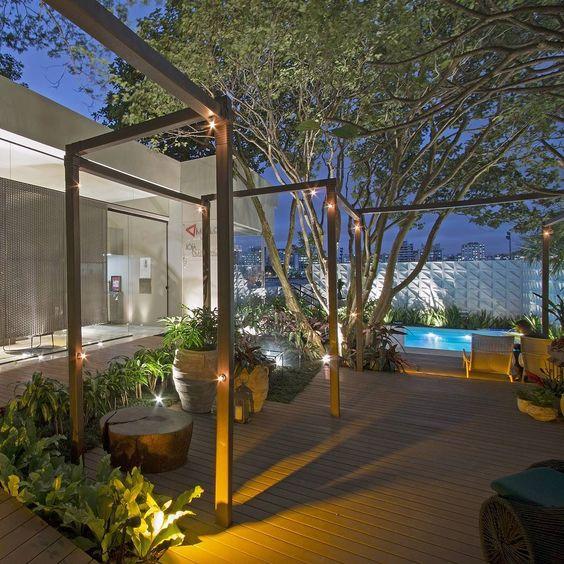 Paisagismo de Ricardo Pessuto no entorno da Casa de Vidro para a Casa Cor São Paulo 2016. Querem saber mais sobre esse jardim? Corram lá no blog (link no perfil) http://ift.tt/1PDZmBp  #newblog #casacor #casacorsaopaulo #casacor30anos #casacoroficial #paisagismo #trends #jardim #garden #lifestyle #olioliteam #designlifestyle #projeto #love #amazing #lifestyle