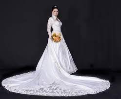 Resultado de imagem para vestido de noiva com ouro