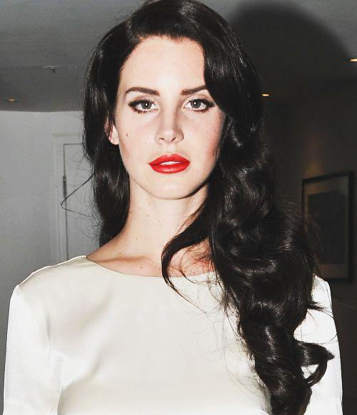 Red Nail Polish Lana Del Rey: Dark Hair + Red Lips