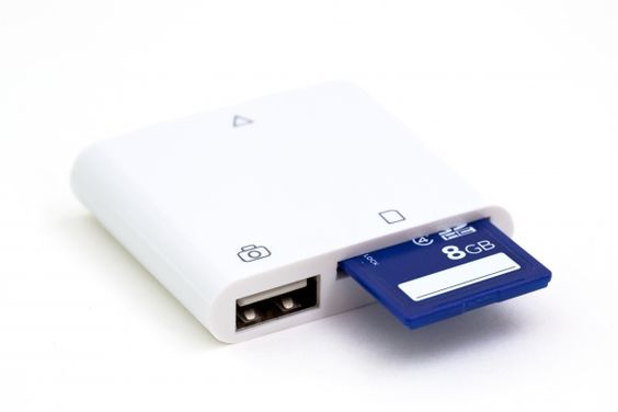 iPad CF and SD Card Readers for the iPad