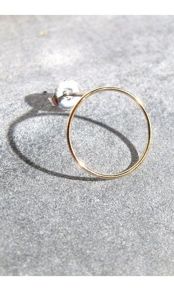 Adeline Cacheux boucle solo Hoop or 18k------ #adelinecacheux #bijoux #jewelry #boucle #solo #earring #gold #or