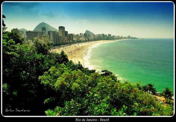 Rio de Janeiro face 2 #Brazil |  Photo By - Artur Sentieiro