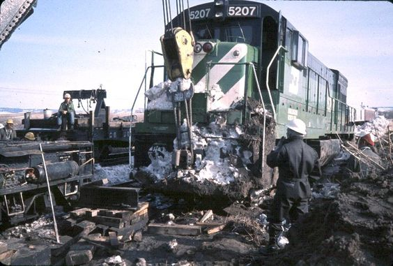 1975: Stuff, 1975, Bring, Train Wrecks