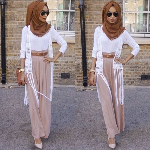 http://geoarabica.blogspot.com/  Pastels and Neutrals always give a classy appearance for hijab style.