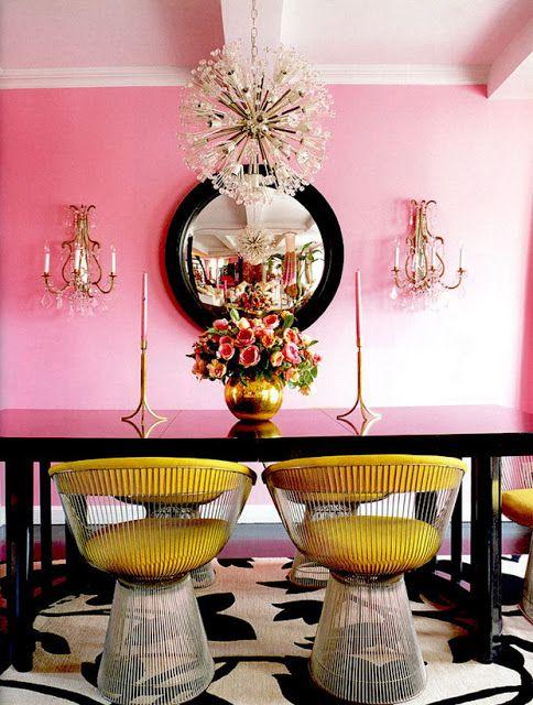 Um luxo só esta sala de jantar!