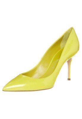 Zapatos altos - amarillo
