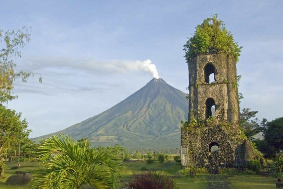 Phililippines Tourist Spots, best places to visit in the philippines, tourist spots in the philippines, places to visit in the philippines for couples, where to stay in the Philippines