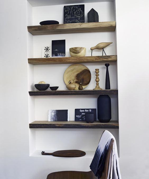 Chair of African walnut and wooden shelves with accessories | Styling @marianneluning | Photographer Hotze Eisma | vtwonen March 2015