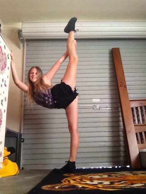 Terrible quality. Just stretching .