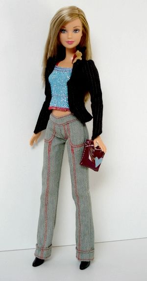 https://flic.kr/p/bx75LD | Fashion Fever Barbie | Barbie H0661 Wave B