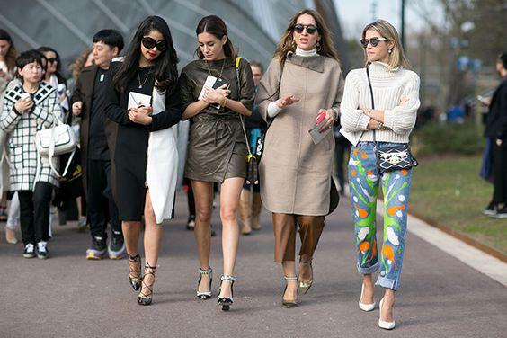 de boas pela paris fashion week