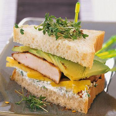 Avocado-Huhn-Mango-Sandwich