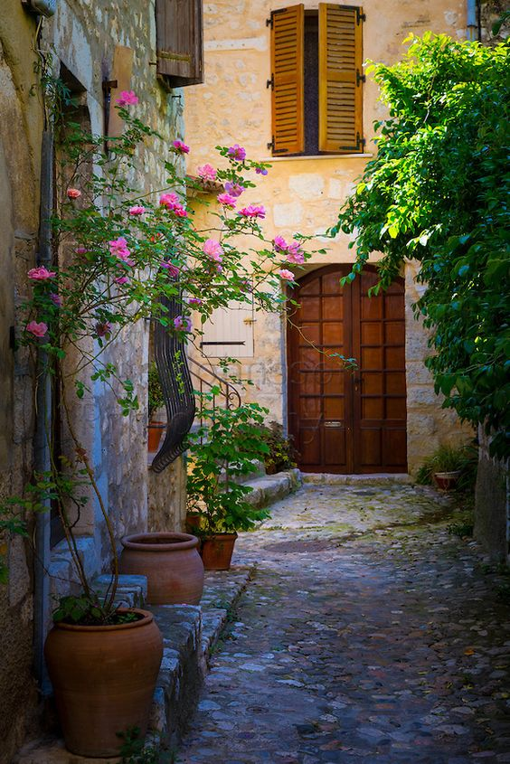 Alley in Saint Paul de Vence in France. ----- Saint-Paul or Saint-Paul-de-Vence is a commune in the Alpes-Maritimes department i...