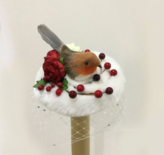 White Christmas red robin cocktail hat. by talulahblue on Etsy