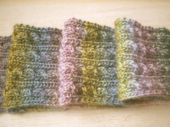 Free Pattern: Pretend Cable Scarf by Frankie Brown