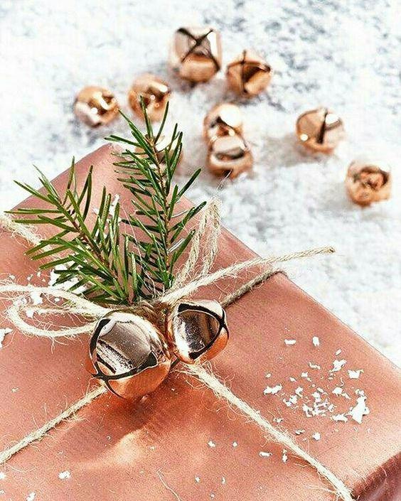 @exxalovahusky  Embrulho de presente natalino