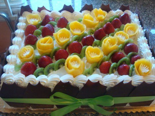 Fruit Decorations On Cake Food And Drinks Pinterest Gteaux