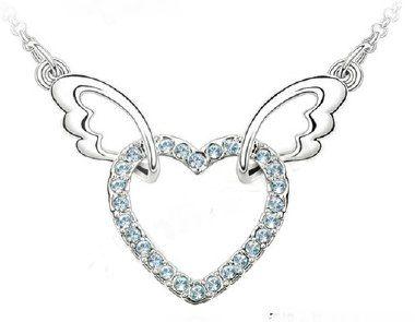 """Halskette verstellbar, """"Winged Heart"""", silber/bleu, Fashion, mit Swarovski-Elementen gearbeitet, 40+5cm, Anhänger: 3.4x2.4cm"""