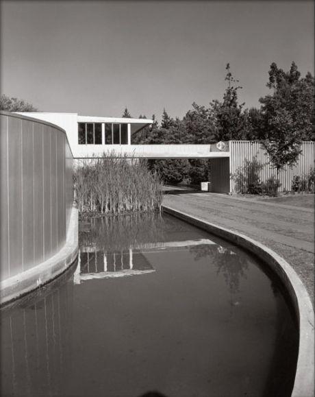 ARTIST:  Julius ShulmanTITLE: Von Sternberg Residence(Richard Neutra, architect)DATE:  1935MEDIUM:  recent gelatin silver printSIZE:  h: 20 x w: 16 in