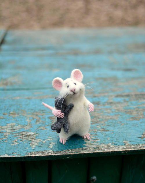 Made To Order Mouse Wool Mouse White Mouse And Kitten Mouse Felt Mouse Animal Kitten Animal Mouse Needle Felting Felting Toy Mouse Cute Pet Mice Needle Felting Felt Toys