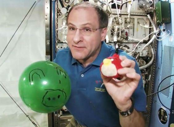 Angry Birds no espaço