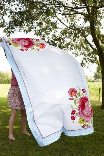 Vintage Tablecloth Love.