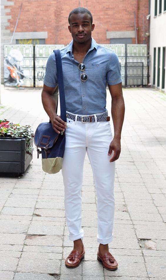 Sapato Loafer + Calça Branca + Camisa Jeans
