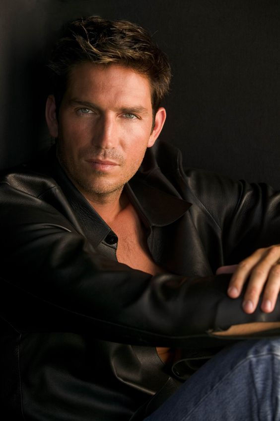 """Jim Caviezel- amazing portrayal of Jesus in the """"Passion"""" and a loveable, mysterious hero on """"Person of Interest"""""""