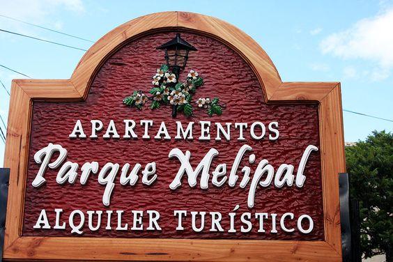 Apartamentos de alquiler turístico en Bariloche, totalmente equipados, con excelente ubicación y vista al lago. Internet Wifi y Tv por cable.