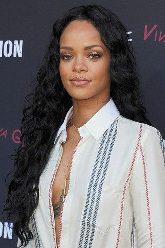 The Hottest Long Hairstyles & Haircuts For 2014 - Rihanna