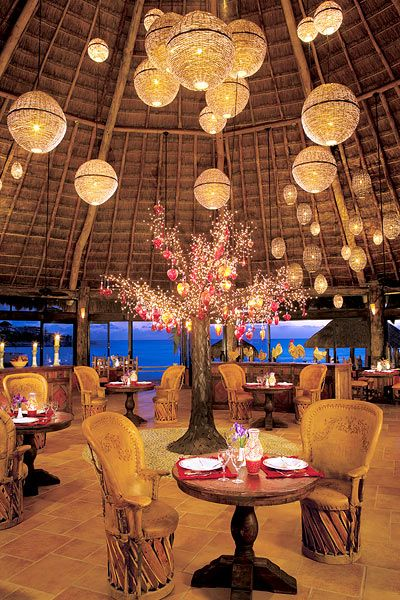 Awesome venue for a Cancun destination wedding