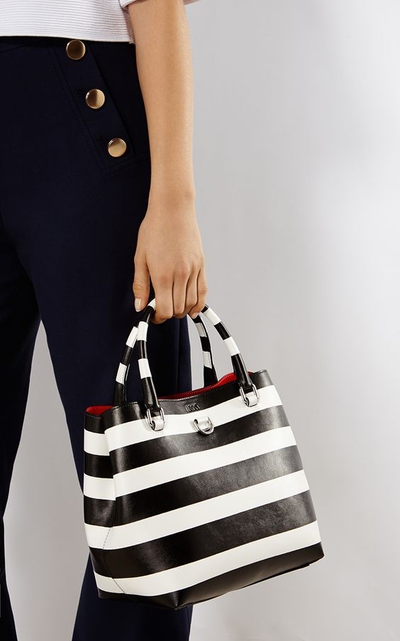 Karen Millen, STRIPED MINI BUCKET BAG Blk&Wht