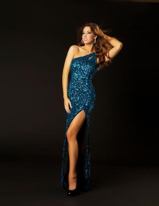 Hello Beautiful. Not you, model-the dress. Duh!