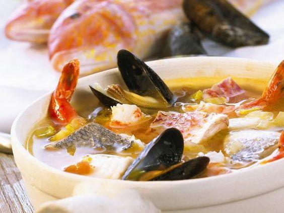 Bouillabaisse ist ein Rezept mit frischen Zutaten aus der Kategorie Meerwasserfisch. Probieren Sie dieses und weitere Rezepte von EAT SMARTER!
