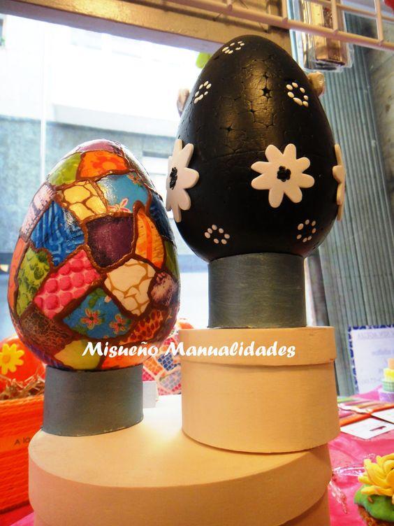Huevos grandes de porexspan decorados con papel Décopatch y pintura acrílica.  www.misuenyo.com / www.misuenyo.es