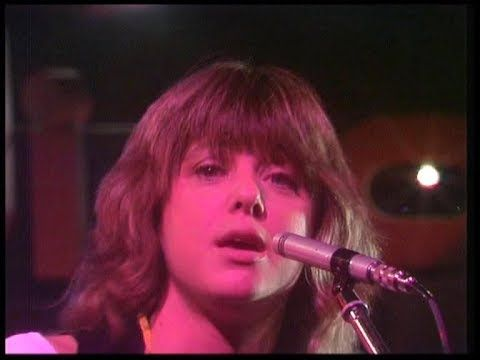 Suzi Quatro She S In Love With You 1979 High Quality Youtube 90s Music Videos 90s Music Music